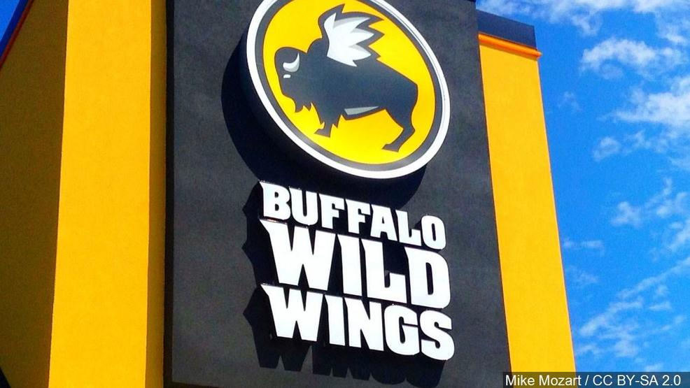 Rat falls from ceiling onto table at Buffalo Wild Wings – Fox Baltimore