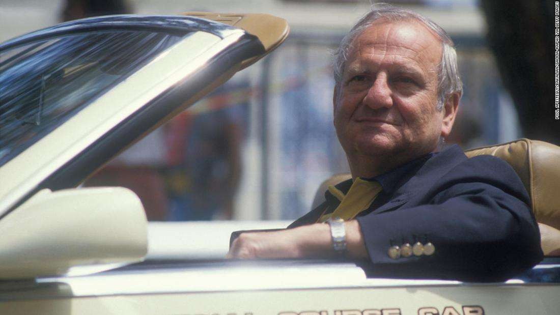 Lee Iacocca, who helped create the Ford Mustang and then rescued Chrysler in the 1980s, has died – CNN