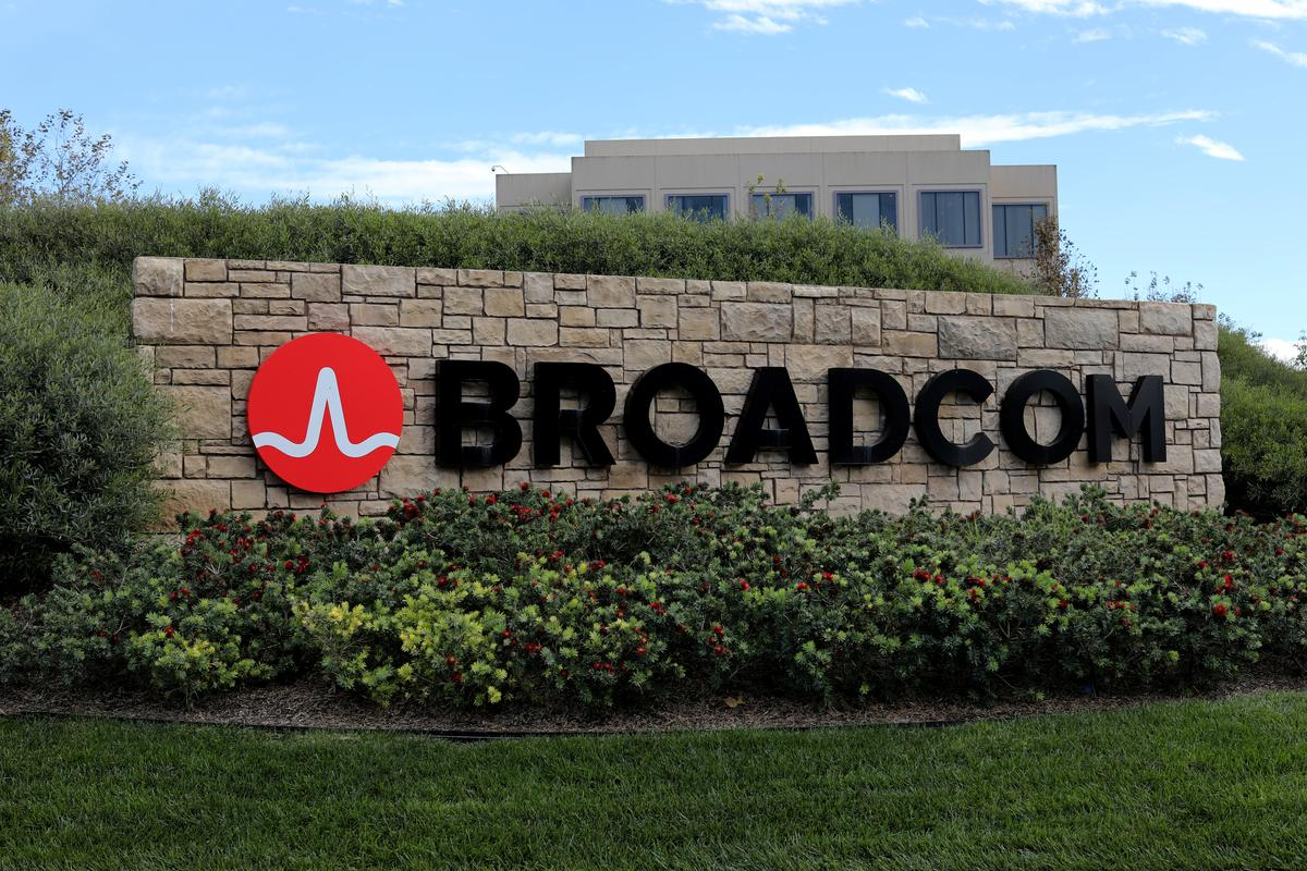 Broadcom in advanced talks to buy Symantec's enterprise business:… – Reuters