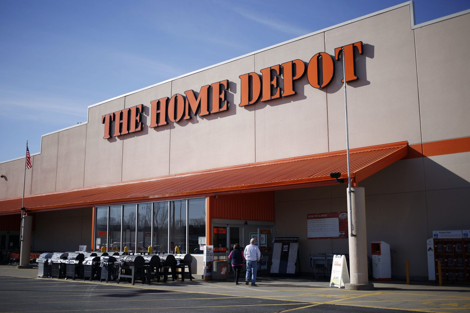 Home Depot is about to report earnings. Here's what you need to know – CNBC