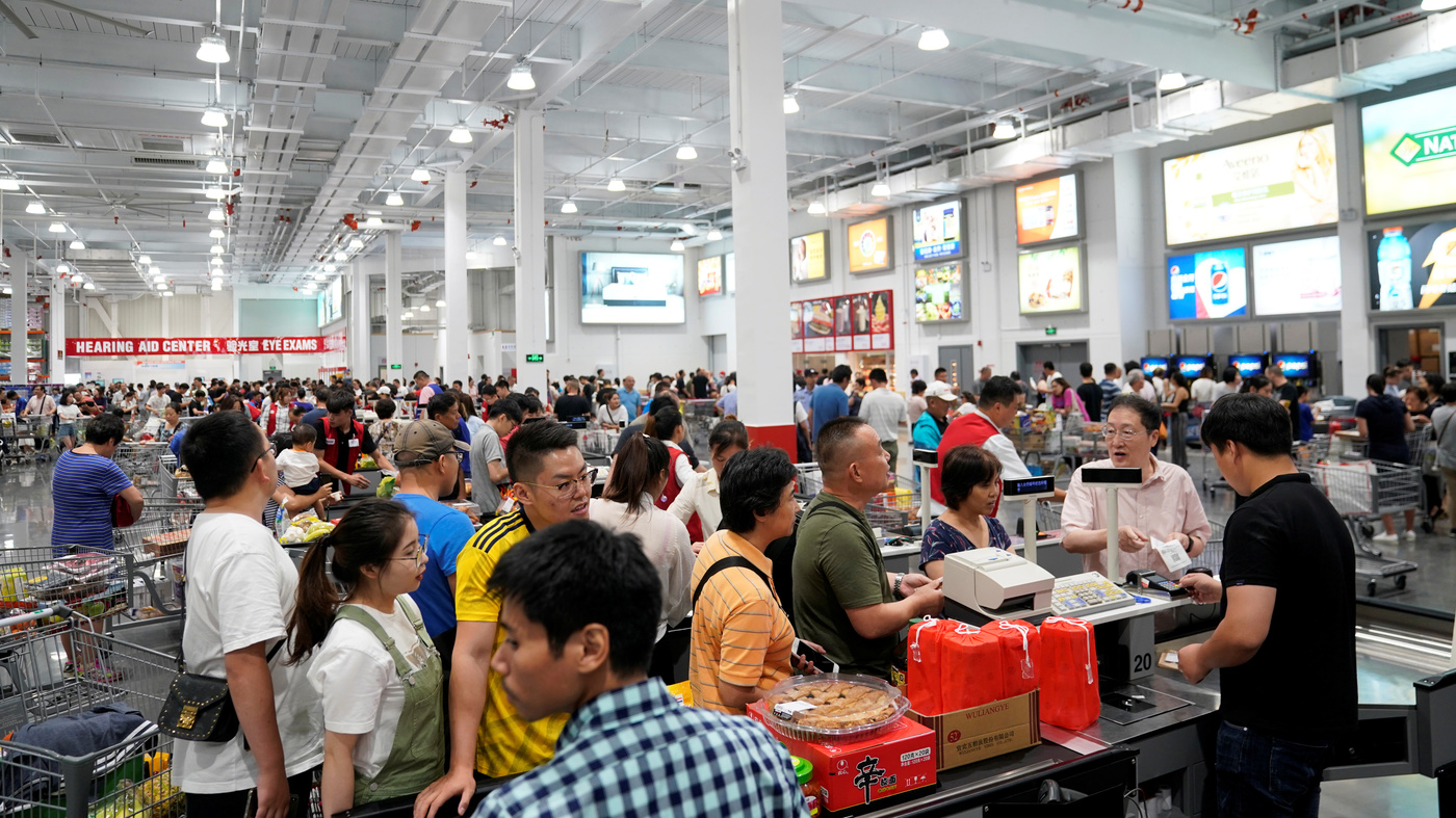 Costco Opens In Shanghai, Shuts Early Owing To Massive Crowds – NPR