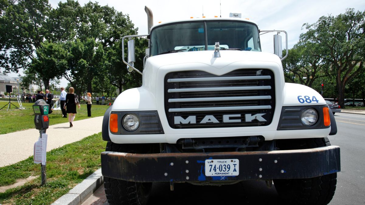 Mack Truck Workers Are Going On Strike – Jalopnik