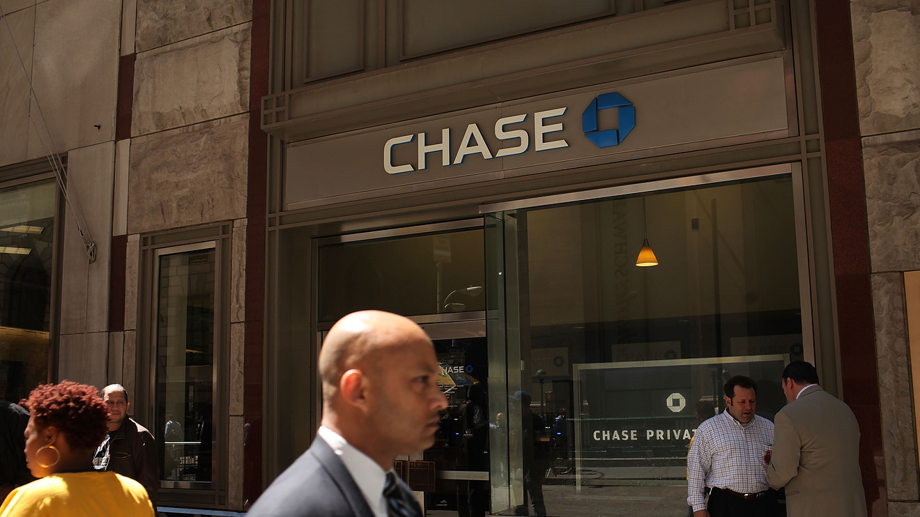 Chase hikes the annual fee for its popular Sapphire Reserve card to $550 and rolls out new perks – MarketWatch