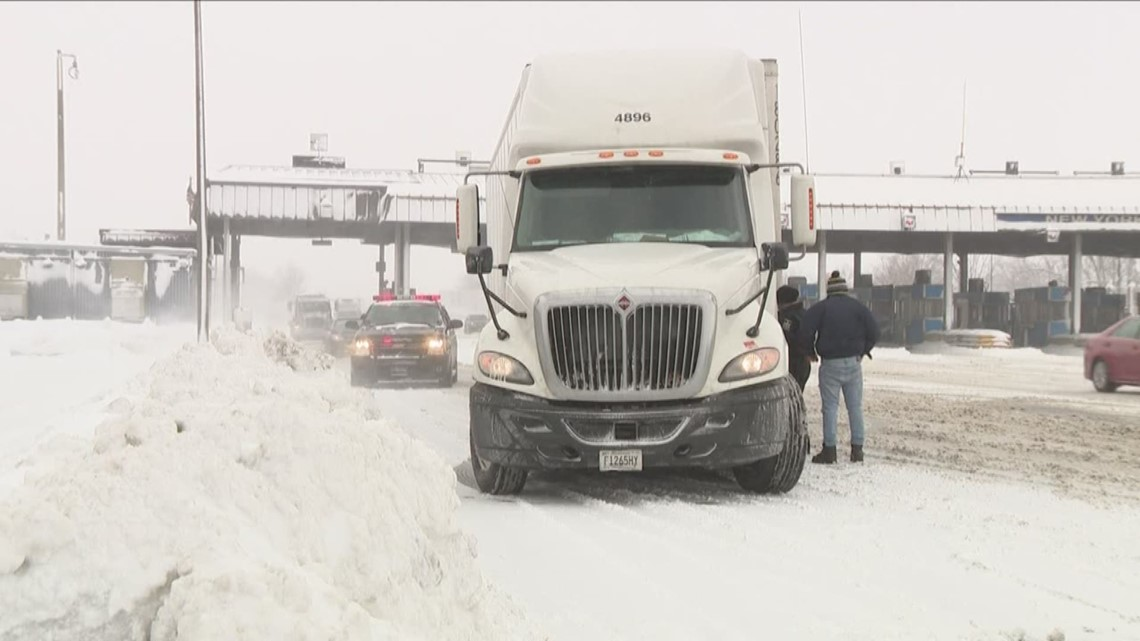 New York State Thruway Authority issues empty tractor-trailer ban – WGRZ.com