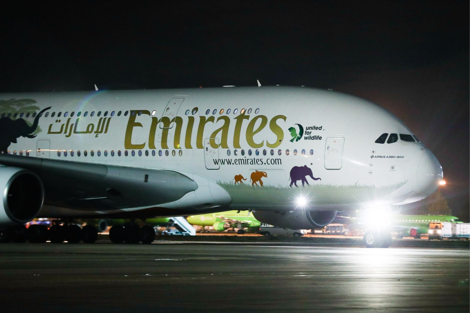 Emirates Airline to suspend all passenger operations by March 25 – CNBC