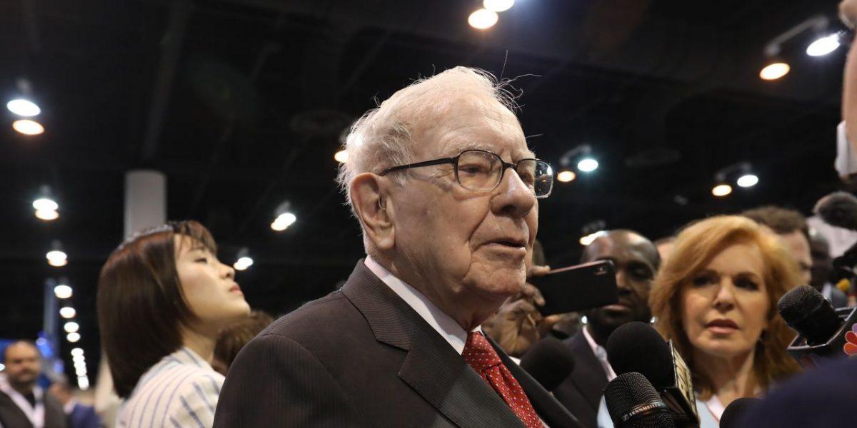 Warren Buffett's Berkshire Hathaway Reports $49.7 Billion Loss in First Quarter – The Wall Street Journal