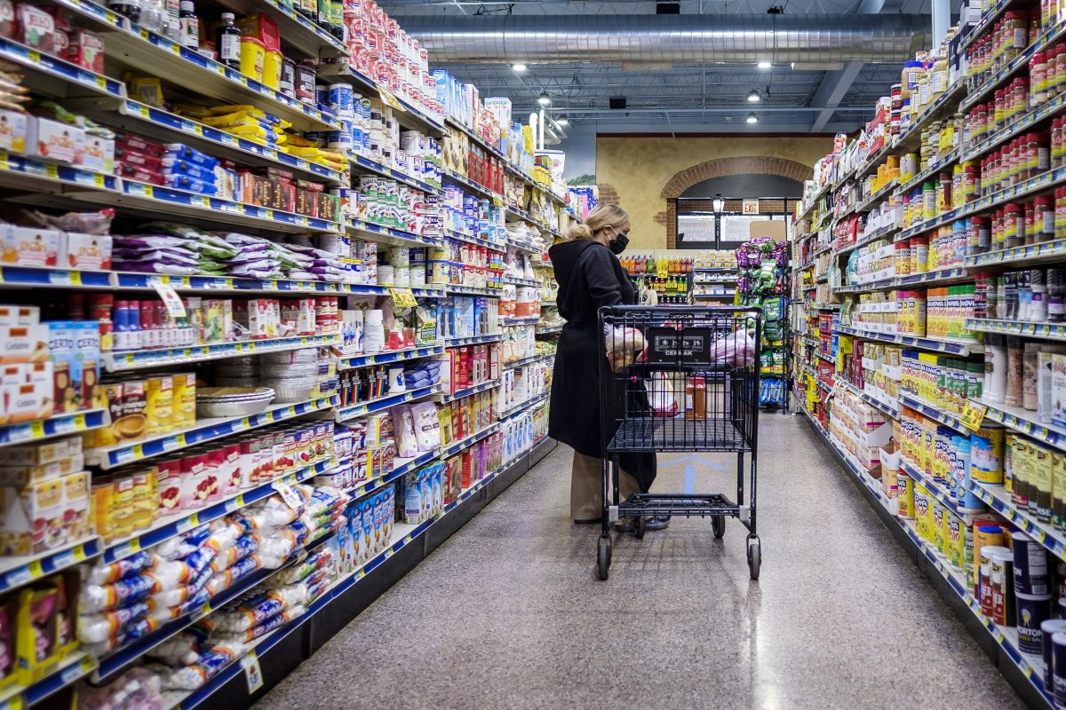 Shoppers begin to shift from stockpiling to penny pinching at the grocery store – CNBC