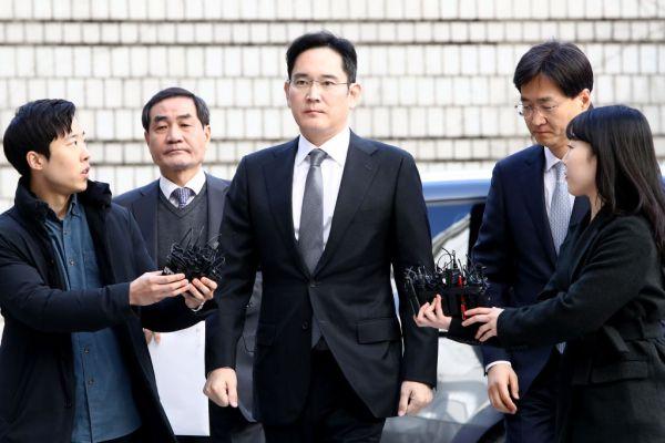 Prosecutors seek arrest warrant against Samsung heir Jay Lee – TechCrunch