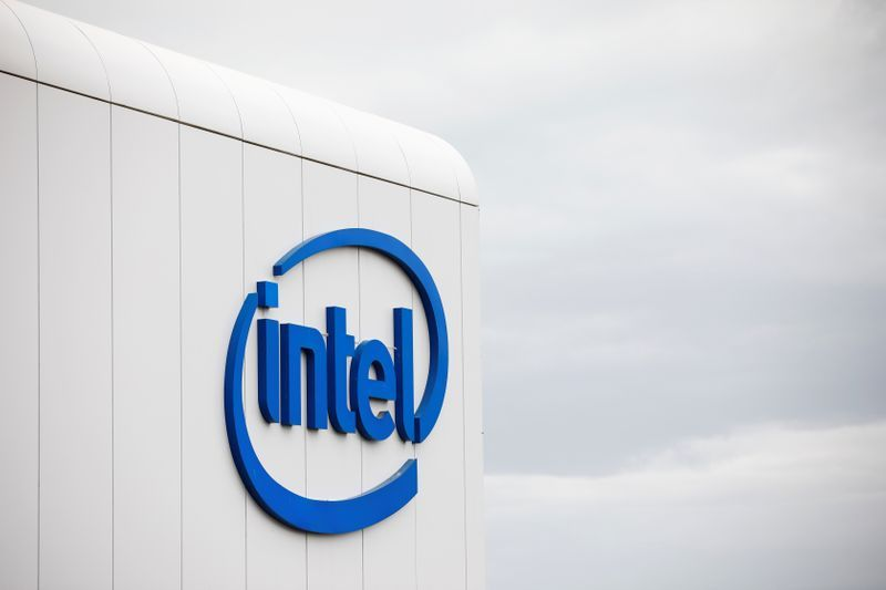 Intel chip delay forces shift to using more outside factories, shares drop – Yahoo Finance
