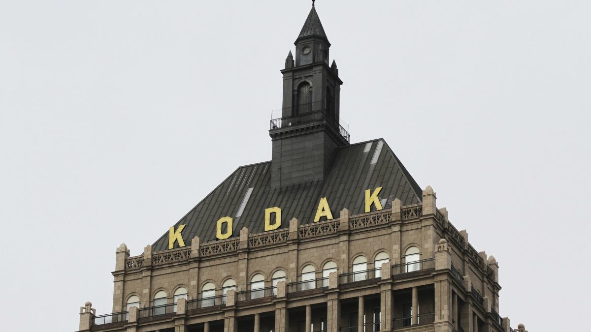 Kodak Gave Its CEO Stock Options, Then News Broke of a Million-Dollar Federal Deal and Prices Soared – Gizmodo